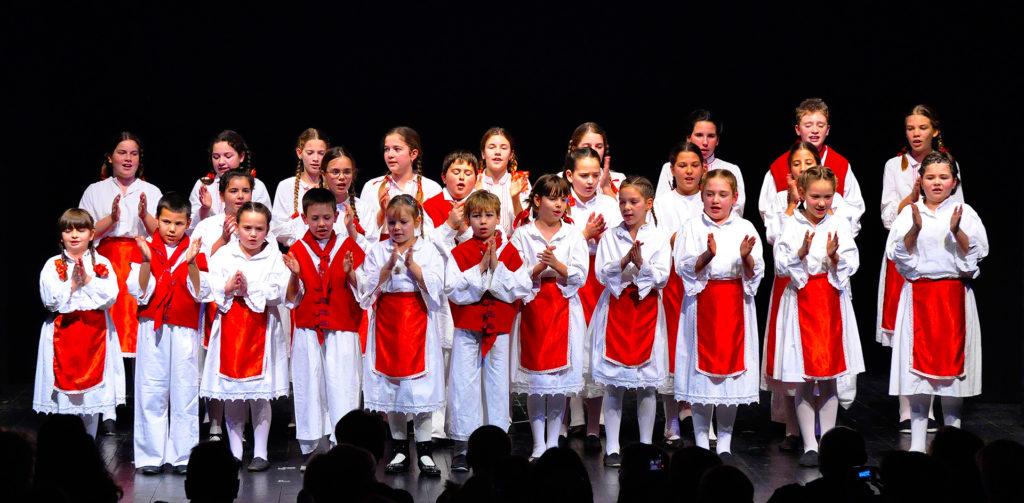 Počeli su upisi u škole folklora, gitare, mandoline i solo pjevanja